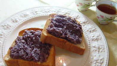 Toast with Mashed Sweetened Red Bean Paste