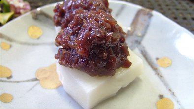 Rice Cake with Mashed Sweetened Red Bean Paste