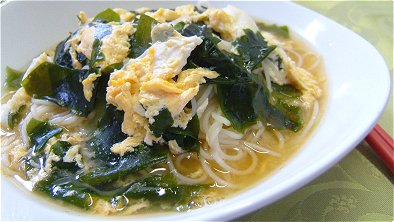 Thin White Noodles with Wakame Seaweed & Egg Soup