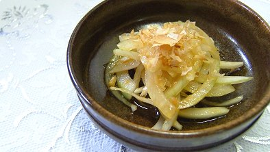 Onion Salad with Soy Sauce Dressing